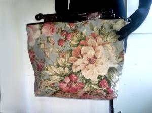 KnittingBag_VintageFloral_FauxLeather_reversible_front