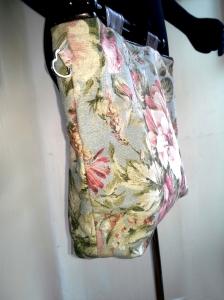 KnittingBag_VintageFloral_Leather_reversible_side1