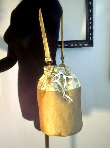 bucketbag_goldfloral